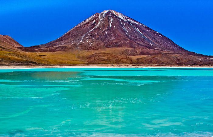 1200px-Laguna_Verde,_Bolivia