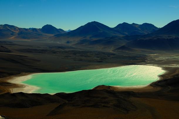 laguna-verde-in-the-altiplano-of-bolivia--32876
