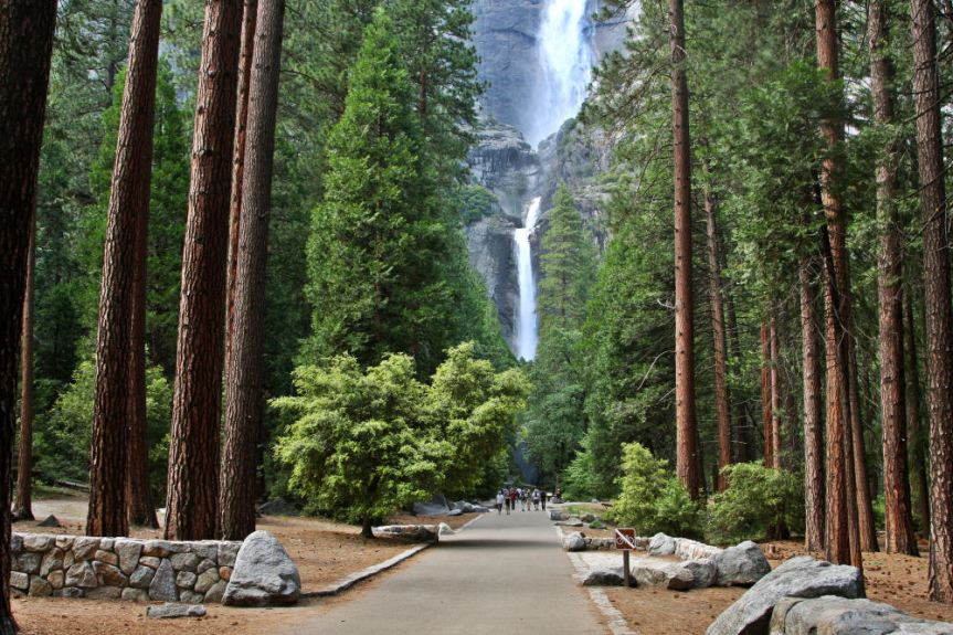 lower-yosemite-falls-trailhead-1000w