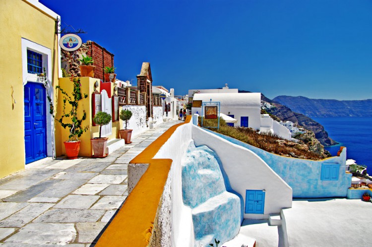Visit-Santorini-the-most-beautiful-of-the-Greek-islands