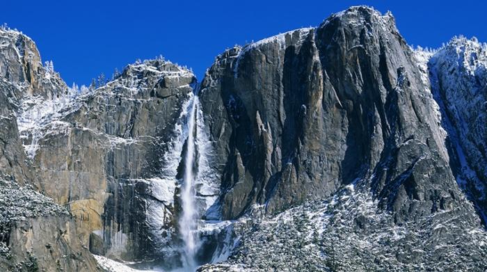 Yosemite-Falls-in-Winter-Slide-700x425