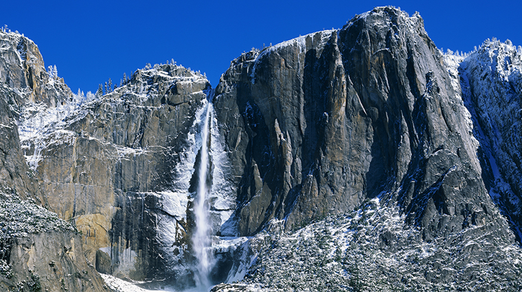 Yosemite-Falls-in-Winter-Slide-700x425