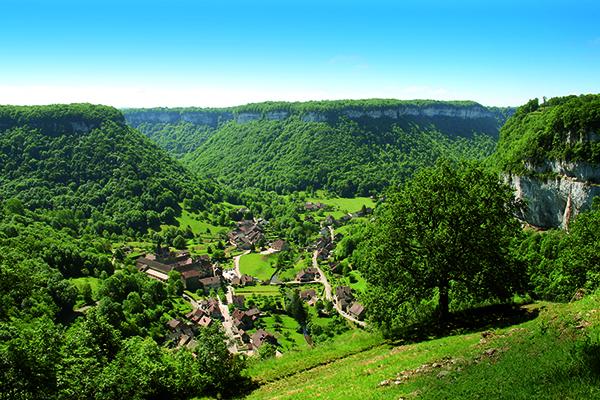 000009ab0-0_Baume_les_Messieurs_village_Panorama