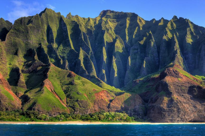Na-Pali-Coast-Cathedral-Kauai-Hawaii-USA