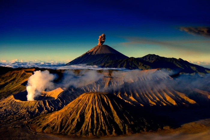 Mount-Bromo-Midnight-Tour-Package-1-Night-1-Day