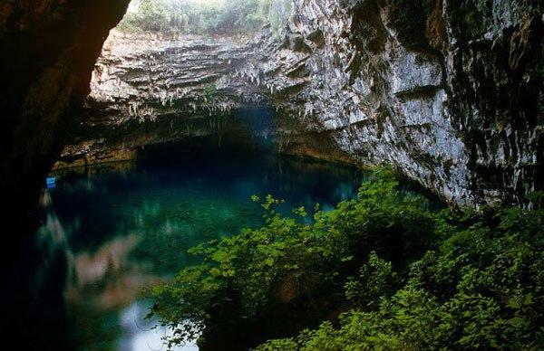 melissani_cave_kefalonia_greek_island_11