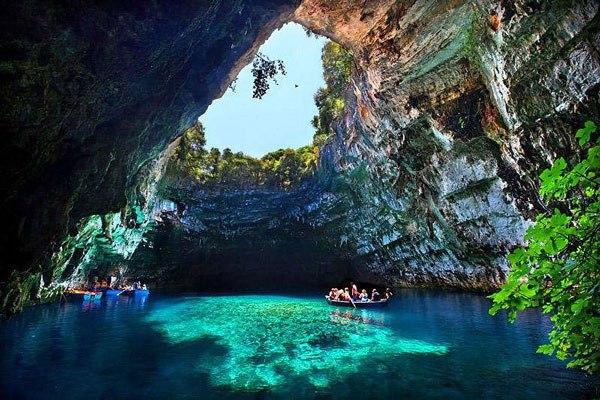 melissani_cave_kefalonia_greek_island_3